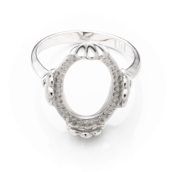 Tapered Ring with Oval Bezel Mounting in Sterling Silver 11mm x 13mm