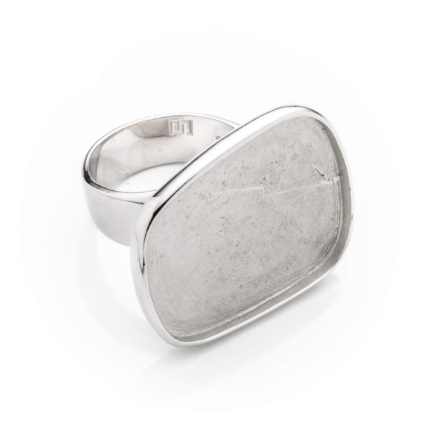 Ring with Flat Rectangular Bezel Mounting in Sterling Silver 26mm x 17.7mm x 19.8mm